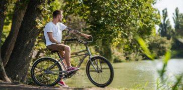 Болят колени после езды на велосипеде: нормально ли это и что делать?